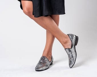 Flat Shoes / Silver Textured Non Leather Shoes / Womens Slip On  Shoes / Everyday Shoes / Comfortable Shoes / Wooden Heels Shoes - Disco