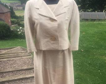 Vintage: Late 1960s Womens cream suit