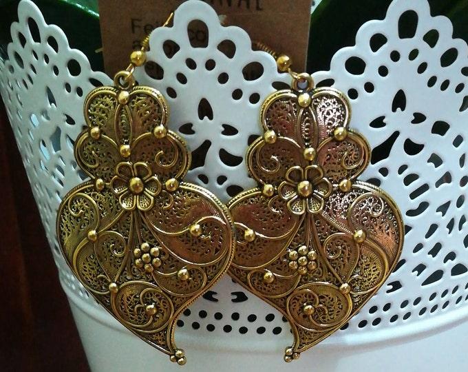 Long earrings, heart earrings of Viana, crafts, earrings, jewelry, hook earrings, lady earrings, Handmade, Bronze, pendants