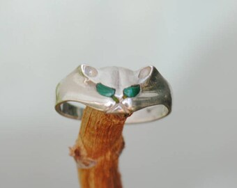 Cat ring, malachite ring, animal ring, silver ring, girl ring, vintage ring, boho ring, small ring, malachite jewelry, vintage jewelry