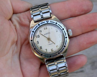 Mens watch Mens Wrist Watches retro watch Mechanical watch Military Watch Wostok watch russian watch Vintage Working Watch USSR vostok