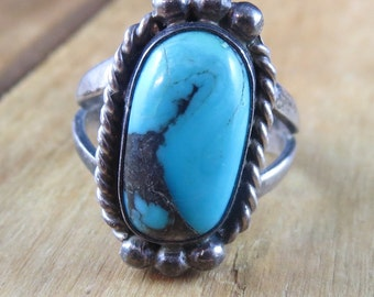 Vintage Turquoise Ring Size 7 1/2 Native American Southwest Artisan Ring
