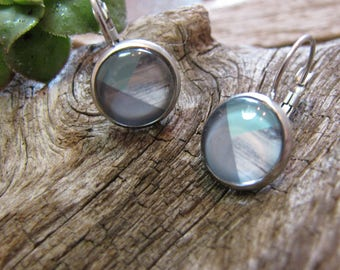 Stainless steel, cabochon dangle earrings, wood effect and form gemetrique, grey, blue 12 mm