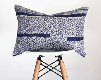 14 x 20 Vintage Faded Dark and Light Blue Hmong Batik Fabric Pillow Cover, Boho Pillow Cover
