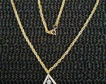 Light pink stone teardrop pendant necklace