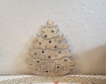 Vintage brass Christmas tree trivet.  Large Lillian Vernon trivet.  Holiday brass trivet.  Retro brass trivet