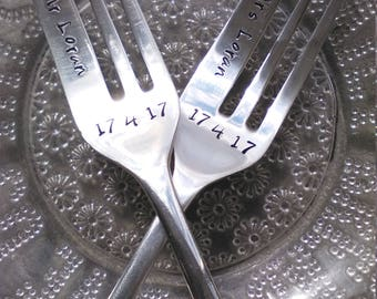 Pair of Cake Forks With Your Own Words - Handstamped Forks - Vintage Forks - Wedding - Personalised - Valentine's gift - Custom Cutlery