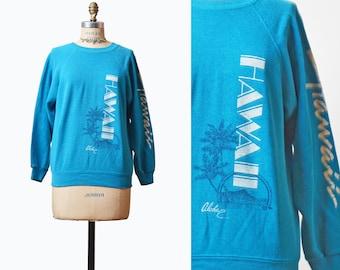 Vintage 80s HAWAII Palm Tree Surfer Shirt Sweatshirt / 1980s Graphic Travel Raglan Sleeve Blue White Vintage Tee Retro T Shirt Medium