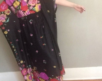 Floral Maxi | 70s vintage polyester lounge wear batwing sleeve psychedelic floral print womens dress ONE SIZE osfm large L medium M elastic