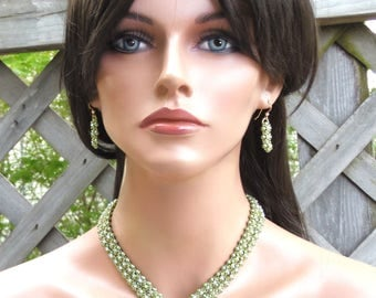 Green Necklace Earring Set - Olive Pearl Crystal - Collar Necklace - Special Occasion Jewelry Set - Beadwork Beadwoven - Elegant Jewels
