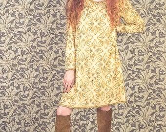 1960s sequin mini dress.silk beaded dress. Embroidered sequin.Size medium.1960s  dress. 1960s party dress. Bohemian dress size medium