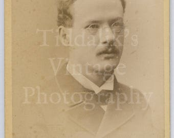 CDV Carte de Visite Photo Victorian Handsome Young Mustached Man, Round Glasses Portrait - Mr. Barraud Oxford St. London England - Antique