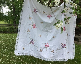 Antique embroidered table cloth Floral lace table cloth White shabby table cloth Cottage chic table cloth
