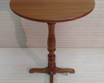 mahogany pedestal table