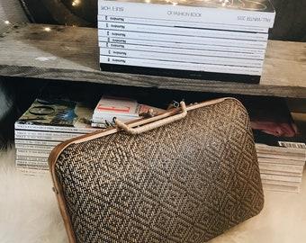Luggage / suitcase vintage Wicker