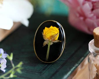 Yellow buttercup ring,  pressed flower ring, resin flower jewelry, floral jewelry, nature inspired jewelry, gift for her, made in Ireland