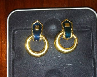 Vintage Gold and Black Clip On Earrings