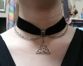 Black Velvet Choker, Triquetra Necklace, Black Velvet Triquetra  Chain Choker, Wiccan Necklace, Celtic Necklace, Pagan Necklace, Pentagram