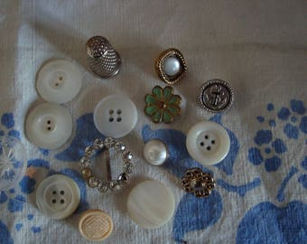 ASSORTED VINTAGE BUTTONS AND ONE OF
