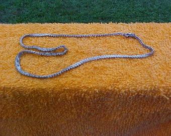 Vintage shiny PREMEX MP76 sterling silver interlocking V style necklace