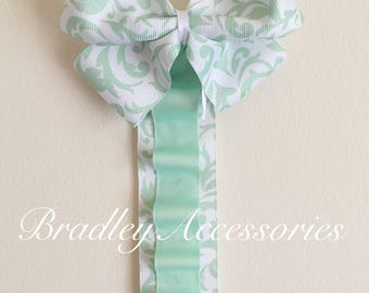 Green Floral Ribbon Hair Bow Holder, Headband Holder, Hair Accessories Organizer, Baby Shower Gift, Nursery, Organizer