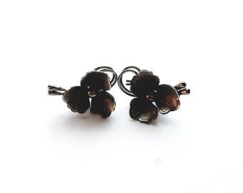 Vintage Silver Flower with Faux Pearl Clip On Earrings