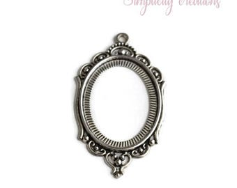 Retro Silver Oval Pendant 65mm