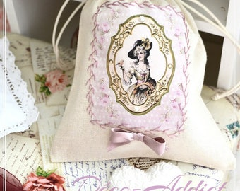 Lovely small pouch and applied her Marie Antoinette embroidered hand