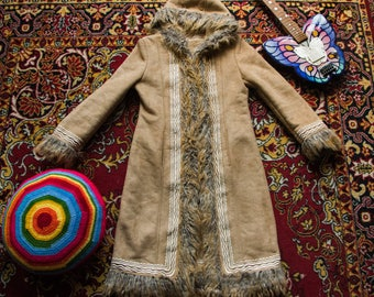 GROOVY 1970's style faux fur coat. Embroidered faux shearling coat