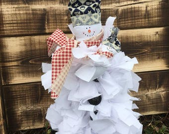 Snowman. Snowman Decor, Frizzle Snowman, Holiday Decor, Christmas Decor, Christmas Decoration