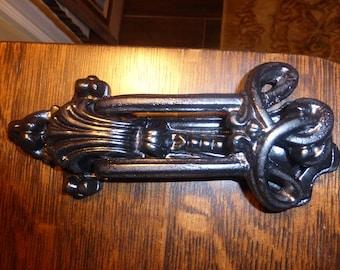 VintageLarge Ornate Cast Iron Door Knocker