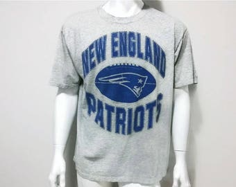 Vintage Patriots T-Shirt New England Patriots NFL Football Shirt 1995 Sports - Color Grey and Blue - Size XL