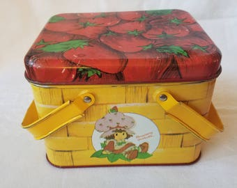 Vintage Strawberry Shortcake Tin Picnic Basket