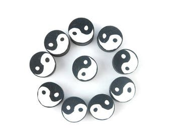 x 20 ying yang black and white round polymer clay (16) 10mm beads