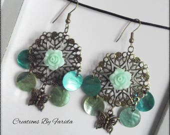 Earrings bronze metal with a stamp and 4 mother of Pearl sequins green water