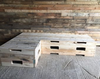 Garden corner bench made from 100% reclaimed pallet wood.