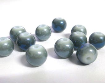 10 dark grey shiny mother of pearl beads blue hues painted glass 8mm (O-50)
