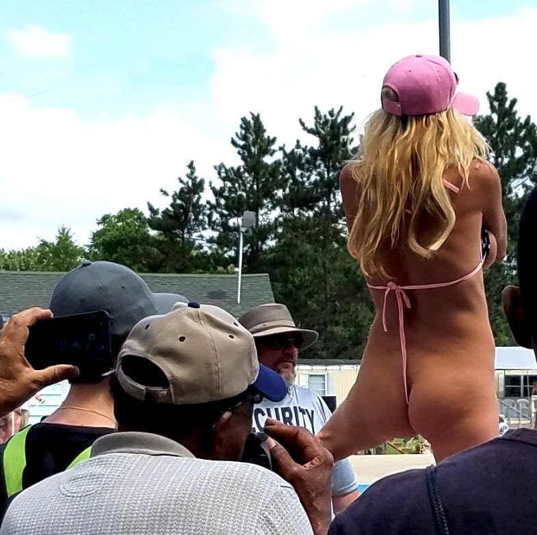 Nudes A Poppin 2017 perimeter stage pink hat