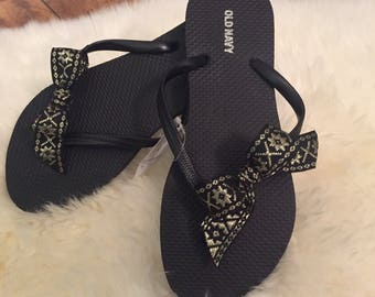 Old Navy Bow Flip Flops