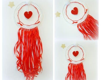 Red and white dream catches / Dreamcatcher love Red felt heart / wall decor for nursery / dream catcher