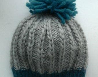 Knitted hat with pompom 54-56 cm
