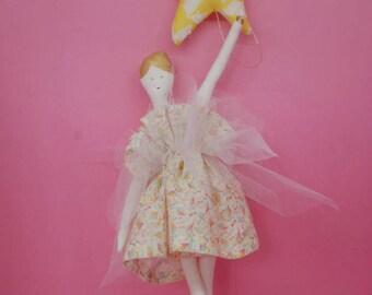Mobile La danseuse et l'étoile, liberty of london, atelier brunette, création originale, décoration chambre enfant, fille, mobile bébé