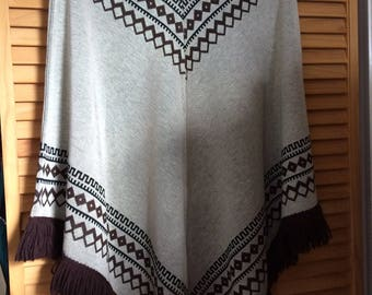 Vintage 70's Lilly of California gray and brown polyester fringed poncho, one size fits most, made in the USA
