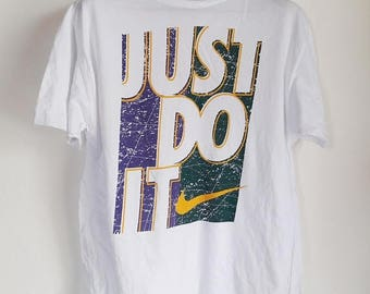 ON SALE 30% Vintage Nike Swoosh Just Do It T-Shirt Large