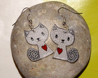 Earrings love cats!