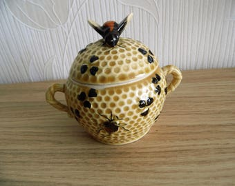 Vintage ceramic honey pot with at on cover-Meli