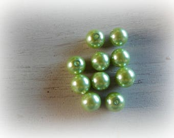 10 round glass beads lime green - 10 mm