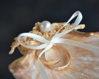 Seashell Ring Holder, RoseGold Shell Ring Bearer, Beach Wedding, Engagement Ring Holder, Nautical Ring Bearer, Engagement Gift, Ring Carrier