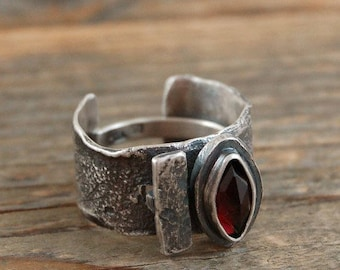 SALE 20% off !!! - use the coupon code: SALE20 garnet silver ring, oxidized silver ring