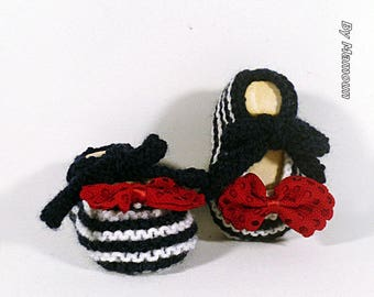 "Baby booties (0-3 months) in the shape of ballerinas ""the marines tied"""